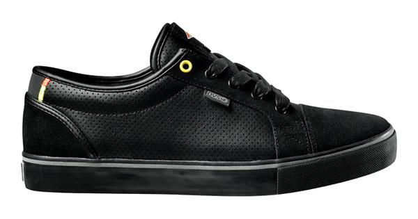chaussures fixie dvs et cinelli avec bandes reflechissantes