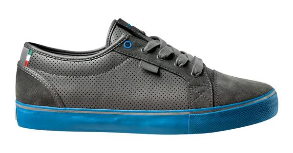 chaussures pignon fixe dvs et cinelli avec bandes reflechissantes