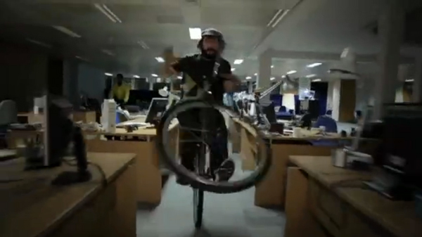 video-converse-fixie