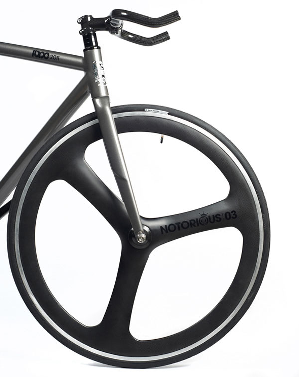 roue-carbon-notorious-03-blb.jpg